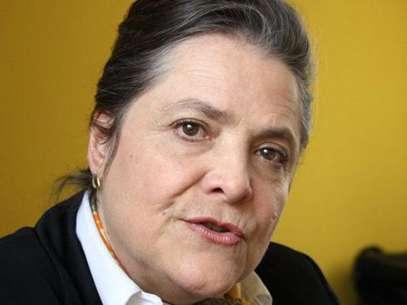 Clara López, representante del Polo Democrático Alternativo, manifestó que su partido político va a consultar a los electores si están de acuerdo con la revocatoria de los congresistas que votaron a favor de la reforma de justicia. Foto: Archivo