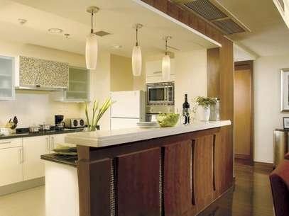 Une ambientes abriendo tu cocina hacia la sala y/o comedor. Una tendencia moderna, limpia y que cada vez atrae más adeptos. Foto: Thinkstock
