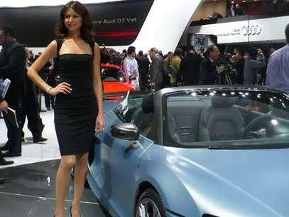 Las Chicas Del Auto Show De Detroit Foto Conduciendo Terra
