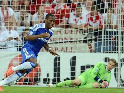 Didier Drogba anota el penal definitivo en la final de la Champions.  AFP PHOTO / PATRIK STOLLARZ        (Photo credit should read PATRIK STOLLARZ/AFP/GettyImages) Foto: Getty Images