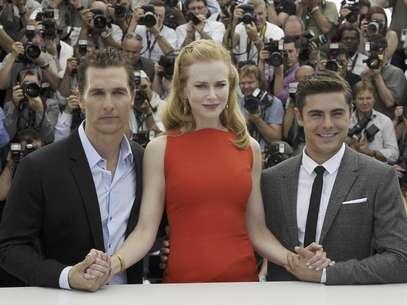 """De izquierda a derecha, los actores Matthew McConaughey, Nicole Kidman y Zac Efron en una sesión de fotos de la película """"The Paperboy"""" en el 65to Festival de Cine de Cannes, en Francia, el jueves 24 de mayo de 2012.  Foto: Francois Mori / AP"""