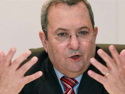 Israel's Defence Minister Ehud Barak addresses during a news conference at the 48th Paris Air Show at the Le Bourget airport near Paris, June 15, 2009. Foto: Pascal Rossignol / Reuters In English