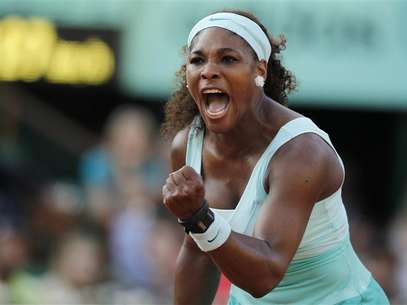 Serena Williams of the U.S. reacts during her match against Virginie Razzano of France during the French Open tennis tournament at the Roland Garros stadium in Paris May 29, 2012. Williams and her sister Venus will be part of the U.S. Olympic tennis team that will compete in London next month. Foto: Nir Elias / Reuters