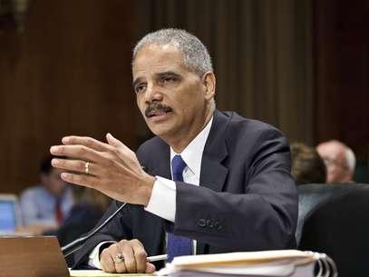 En esta fotografía de archivo del 12 de junio de 2012, se ve al secretario de Justicia estadounidense, Eric Holder al testificar en el capitolio en Washington. Foto: AP