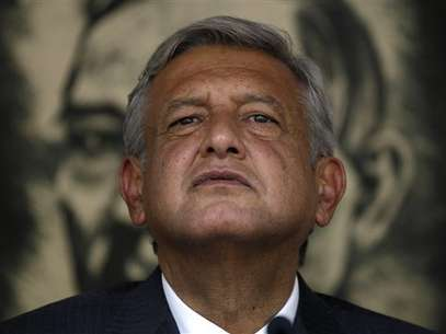 López Obrador nunca reconoció la derrota y luego dijo que iba a presentar pruebas de la compra de votos. ¿Estará en lo cierto? Foto: AP