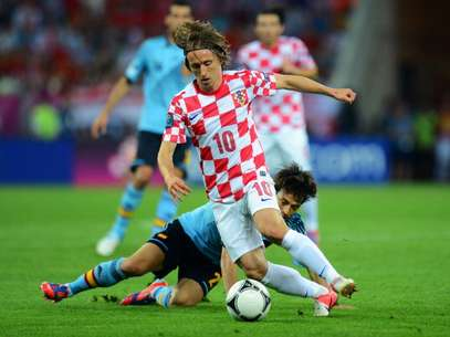 Luka Modric of Croatia gets the better of David Silva of Spain during the UEFA EURO 2012 group C match between Croatia and Spain at The Municipal Stadium on June 18, 2012 in Gdansk, Poland. Foto: Getty Images
