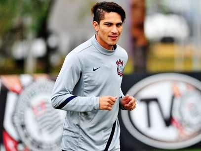 El peruano dubatará con Corinthians vistiendo la número '9' de Ronaldo. Foto: Leo Pineiro / Terra
