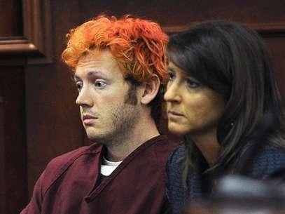 James Holmes junto a su abogada, Tamara Brady, durante el inicio del proceso judicial contra el presunto autor de la masacre de Colorado. Foto: AP