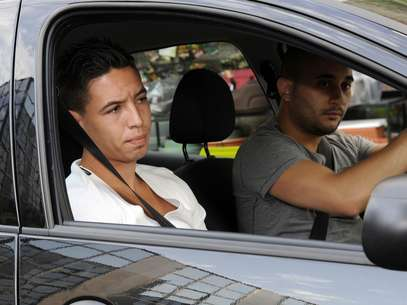 Samir Nasri arrives in a car at the French Football Federation (FFF) headquarters Foto: Getty Images
