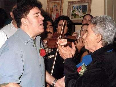 Chavela Vargas y Pedro Almodóvar Foto: Difusión