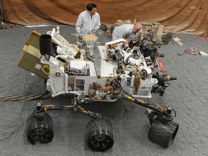 El robot Curiosity, que aterrizó con éxito en Marte tras un viaje de 567 millones de kilómetros, es el explorador móvil más complejo enviado por la Nasa al espacio. Foto: AFP