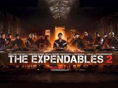 Sylvester Stallone aparece como Jesús, rodeado de sus 12 apóstoles armados, mientras que Dolph Lundgren es Judas. Foto: Lionsgate