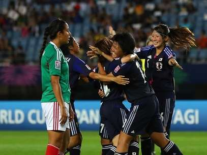 Japan celebrates a goal in its 4-1 win over Mexico in the U-20 women's World Cup. Foto: Getty Images