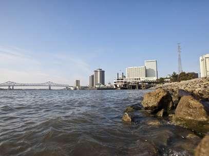 El agua del río Mississippi en calma, en Nueva Orleans, Louisiana, EE.UU. Foto: EFE en español