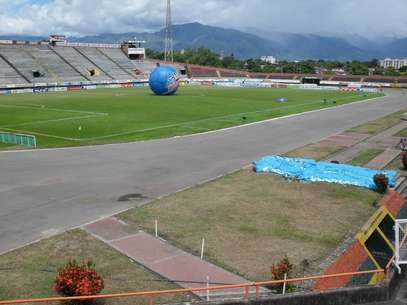 El estadio Guillermo Plazas Alcid de Neiva, donde oficia de local el Atlético Huila es uno de los 16 estadios que podría ser sancionado Foto: Cortesía