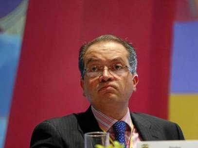 El ministro del Interior, Fernando Carrillo, dijo que no había prisa para desarrollar las leyes que reglamenten el marco para la paz y aseguró que esto se hará de manera simultánea con el avance de los diálogos.  Foto: Difusión