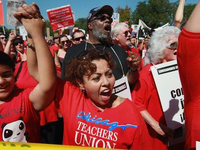 Los docentes en huelga salieron a las calles en celebración. Foto: Getty Images
