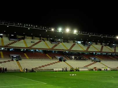 View of the estadio Teresa Rivero stadium after the flood lights failed before the La Liga match between Rayo Vallecano and Real Madrid CF on September 23, 2012 in Madrid, Spain. The match was later suspended. Foto: Getty Images