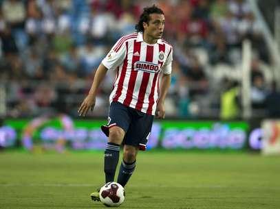 Héctor Reynoso considera que será clave que Chivas le quite el balón al América para ganar el partido. Foto: Mexsport