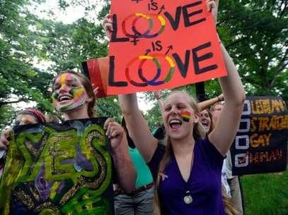 Un grupo de jóvenes protesta en Raleigh (Carolina del Norte) contra la prohibición de los matrimonios gays en el estado.  Foto: GETTY IMAGES