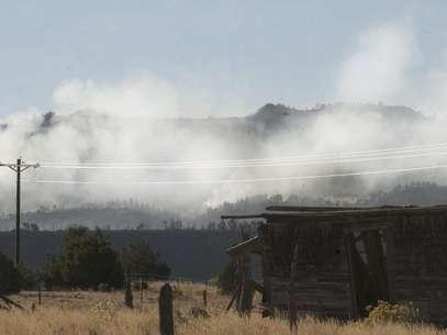 El humo se extiende a lo lejos debido al incendio forestal que afectó al este de Wetmore, Colorado, el miércoles 24 de octubre de 2012. Foto: Pueblo Chieftain, Chris McLean / AP