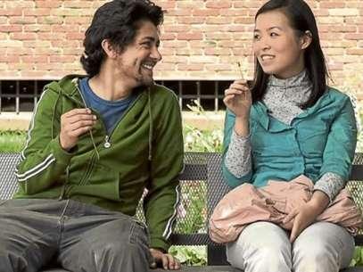 Los actores Javier Ortíz y Liao Xuan protagonizan este filme de amor y desencuentros. Foto: Reproducción/Cine Colombia