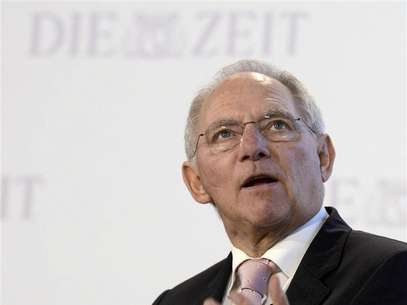 "German Finance Minister Wolfgang Schaeuble delivers his speech during the ""German Economic Forum"", organized by German weekly newspaper ""Die Zeit"", in the St.Michaelis church in Hamburg, November 8, 2012. Foto: Fabian Bimmer / Reuters"