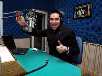 El locutor radial Toño Esquinca dice que está agradecido con la gente que lo detesta, pero no deja de escucharlo. Foto: Reforma