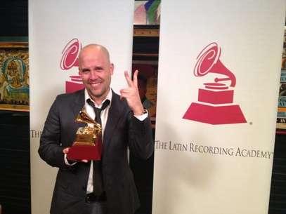 Gianmarco muestra orgulloso su Latin Grammy Foto: difusión