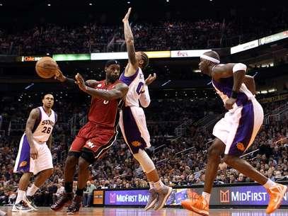 James mantiene el nivel que lo llevó a ser el MVP. Foto: Getty Images