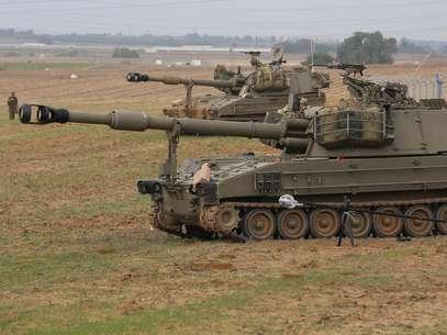 Tanques del ejército israelí se preparan en la frontera con Gaza. La tensión crece. Foto: Getty Images