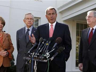 Speaker of the House John Boehner speaks to the press after a bipartisan meeting with U.S. President Barack Obama to discuss the economy in the Roosevelt Room of the White House November 16, 2012. Foto: Larry Downing / Reuters