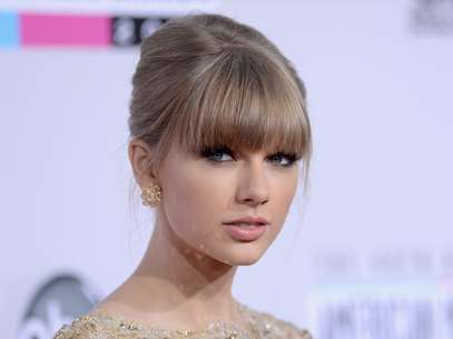 Taylor Swift quiere reconciliar a Selena Gomez y Justin Bieber Foto: Getty Images