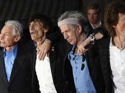 "(L - R)The Rolling Stones members Charlie Watts, Ronnie Wood, Keith Richards and Mick Jagger arrive for the world premiere of the Rolling Stones documentary ""Crossfire Hurricane"" at the Odeon Leicester Square in London October 18, 2012. Foto: Paul Hackett / Reuters"