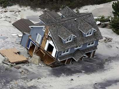 En total, la tormenta dañó 375 centros de salud y 2.100 escuelas en Estados Unidos y el Caribe Foto: AFP