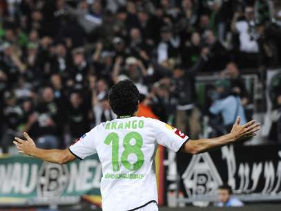 Con su tanto, el venezolano Juan Arango selló la victoria del Borussia Moenchengladbach por 2-0 al Maguncia. Foto: AFP