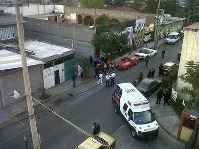 Hasta un helicóptero Cóndor se dio cita en la colonia Santa Ana Zapotitlán para controlar la situación. Foto: Tomada de Twitter / @RamkarC