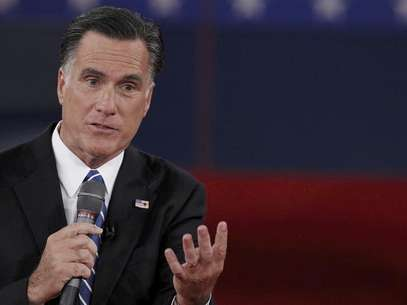 Republican presidential nominee Mitt Romney answers a question during the second U.S. presidential debate in Hempstead, New York, October 16, 2012. Foto: Lucas Jackson / Reuters