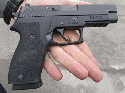 La Asociación Nacional del Rifle aseguró este fin de semana a través de su vicepresidente, Wayne LaPierre, que las medidas de control de armas, como la prohibición de las de asalto, no impedirán matanzas como la sucedida en Connecticut. Foto: AP