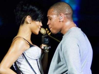 Chris Brown y Rihanna se comprometerán en el 2013, según predice el medium Blair Robertson Foto: Divulgación