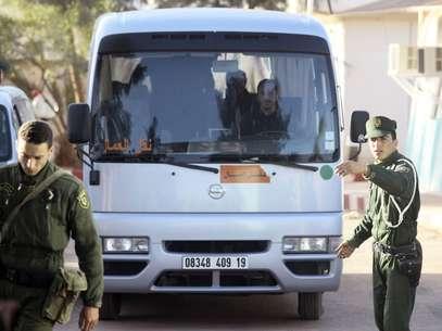 Las autoridades transportaron a algunos de los rehenes que salieron con vida. Foto: Getty Images