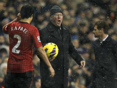 Sir Alex Ferguson is known for his intimidation of officials.  Foto: Getty Images