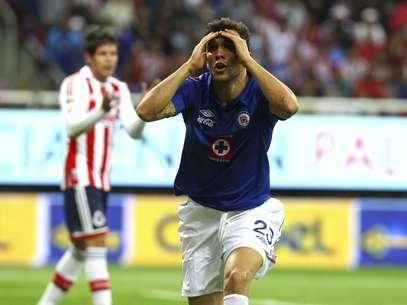 El volante argentino no daba crédito a su expulsión el día de su debut, aunque sí podrá jugar en la siguiente jornada. Foto: Mexsport