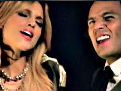 Foto: Eiza y Marconi cantan 'Me Puedes Pedir Lo que Sea' / Terra