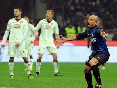 El efusivo festejo de Cambiasso en el tanto del empate definitivo, demuestra lo complicada que fue la visita de Torino. Foto: Getty Images