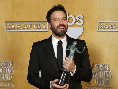 Director, productor y actor de 'Argo', Ben Affleck posa con el galardón que ganó en la categoría de 'Mejor Película' Foto: ADREES LATIF / REUTERS