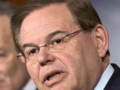 La oficina del propio senador negó que Menéndez se haya involucrado con prostitutas en República Dominicana. Foto: AP