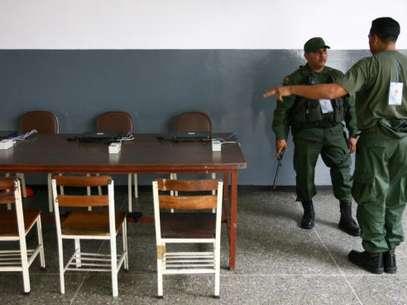 Los 140 mil efectivos del Plan República tomaron los centros electorales desde el pasado miércoles para resguardar el proceso electoral. Foto: AFP