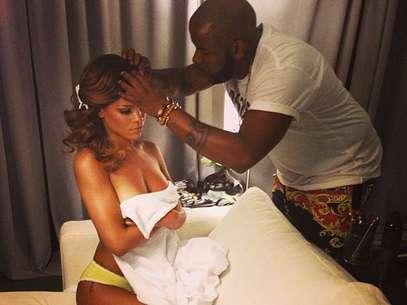 Rihanna vuelve a usar las redes sociales para sacarse fotos desnuda Foto: Instagram