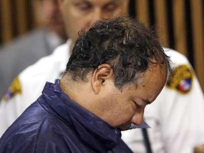 El boricua Ariel Castro aparece en la Corte municipal de Cleveland este jueves para responder por los casos de violación y secuestro de tres mujeres que recuperaron su libertad tras 10 años en cautiverio. Foto: AP